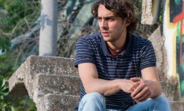 Ντένης Μακρής: «Κοντεύει να καθιερωθεί κριτήριο για τον ηθοποιό η εξωτερική του εμφάνιση»