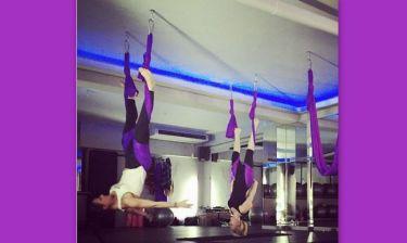Ακόμα μία παρουσιάστρια κάνει aerial yoga