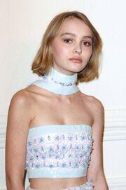 Η θλιμμένη κόρη του Johnny Depp. Γιατί δεν χαμογελά;