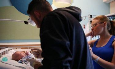 Μωρό γεννήθηκε χωρίς μύτη (φωτογραφίες & βίντεο)