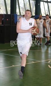 Οι επώνυμοι έπαιξαν μπάσκετ για καλό σκοπό