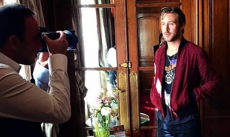 Ο Ryan Gosling πόζαρε για τον φακό του Νίκου Αλιάγα