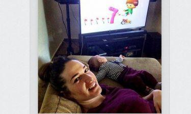 Εύα Λάσκαρη: Βλέπει παιδικά με το μωράκι της