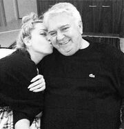 Η τρυφερή φωτογραφία της Γιάννας Τερζή για να ευχηθεί «χρόνια πολλά» στον μπαμπά της!