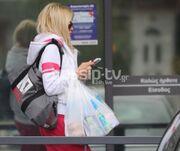 Βίκυ Κάβουρα: Αμακιγιάριστη για ψώνια στο σούπερ μάρκετ