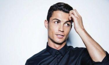 Μα, πόσο σέξι; Ο Cristiano Ronaldo γδύνεται για την καμπάνια της νέα σειρά εσωρούχων του!