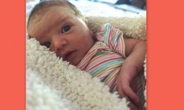 Μόλις η μπέμπα της ξύπνησε – Η φωτογραφία της μικρής που κάνει θραύση στο  Instagram