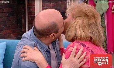 Παγιατάκη-Σεφερλής: Το φιλί στο στόμα  on air!
