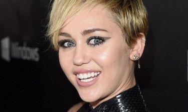 Η προκλητική φωτογραφία της Miley Cyrus που κάνει ξανά τον γύρο του διαδικτύου