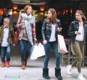 Τζένη Μπαλατσινού: Για ψώνια με τα παιδιά της
