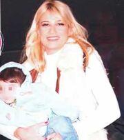 Σκορδά-Λιάγκας: Φωτογραφίες από το πρώτο Πάσχα με τον μικρό τους γιο