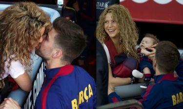 Σακίρα: Με τα παιδιά της στο γήπεδο και το τρυφερό φιλί στον Πικέ (φωτο)