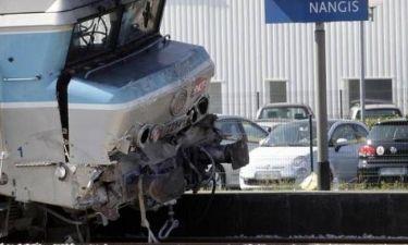 Τρένο συγκρούστηκε με φορτηγό στη Γαλλία - 30 τραυματίες
