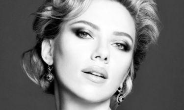 Wow! Η Scarlett Johansson στην πιο εντυπωσιακή εμφάνισή της έως τώρα