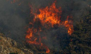 Μεγάλη πυρκαγιά καίει στο Ρέθυμνο