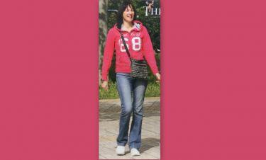 Έλενα Κουντουρά: Χαλαρή βόλτα στην Βουλιαγμένη