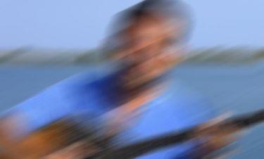 Trivia: Ποιος Έλληνας τραγουδιστής αποκαλύπτει: «Ξεκίνησα από τα 12 μου να παίζω μπουζούκι»;