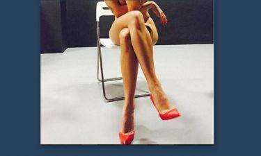 Αυτά είναι! Τραγουδίστρια πόζαρε γυμνή και «έριξε» το Instagram