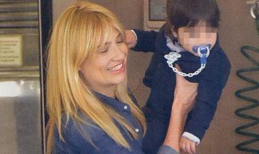 Φαίη Σκορδά: Ψώνια με τον μικρό της γιο