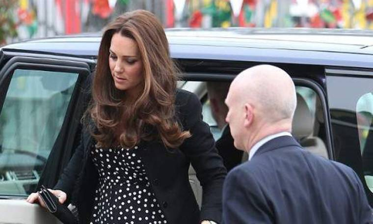 Από στιγμή σε στιγμή γεννάει η Kate Middleton! Οδηγήθηκε εσπευσμένα στο μαιευτήριο!