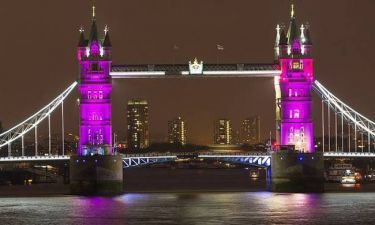 Oι Βρετανοί τα έβαψαν ροζ (photos)