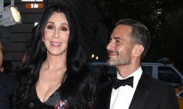 Cher: Η πρώτη της δημόσια εμφάνιση μετά τις φήμες ότι αργοπεθαίνει
