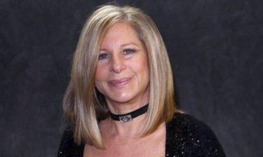 Η Μπάρμπαρα Στρέιζαντ ζήτησε συγγνώμη από αεροσυνοδό