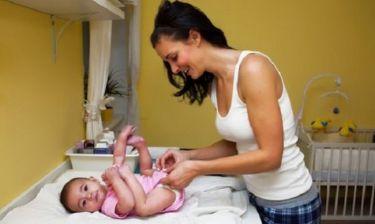 Πώς θα αλλάζετε πάνα και ρούχα στο μωρό σας με ασφάλεια!