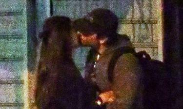 Είναι μαζί – Αυτό είναι το πιο hot ζευγάρι (Οι πρώτες φωτογραφίες-Ντοκουμέντο)