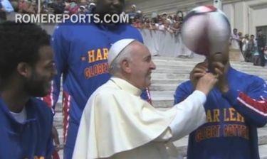 Το… γύρισε στο μπάσκετ ο Πάπας! (video)