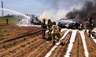 Στρατιωτικό αεροσκάφος συνετρίβη στη Σεβίλλη (photos&video)