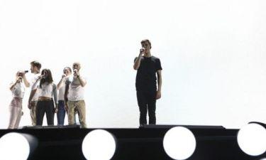 Eurovision 2015: Βέλγιο: Κάνουν φινάλε ξαπλωμένοι στη σκηνή