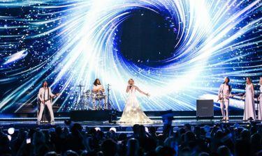 Eurovision 2015: Ρωσία: Η ρομαντική εμφάνιση με τα εντυπωσιακά εφέ