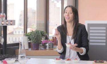 «My Sweet & Skinny life»: Τούρτα με πραλίνα φουντουκιού και πανακότα με φρούτα