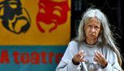 Η συγκλονιστική ιστορία ενός top model: Πέθανε άστεγη και μόνη