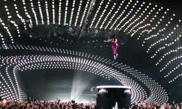 Eurovision 2015: Η έναρξη του τελικού με την Conchita α λα Βανδή!