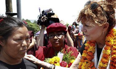 Η Σούσαν Σάραντον πήγε στο Νεπάλ ως εθελόντρια