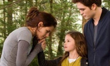 Δείτε πώς είναι σήμερα η κινηματογραφική κόρη της Bella και του Edward από το Twilight!