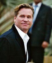 Δε θα πιστεύετε ποιος πασίγνωστος ηθοποιός είναι αγνώριστος στα 55 του!