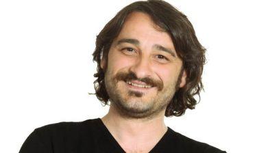 Βασίλης Χαραλαμπόπουλος: «Με όσα γίνονται γύρω μας έχω χάσει πολλές φορές το χαμόγελό μου»
