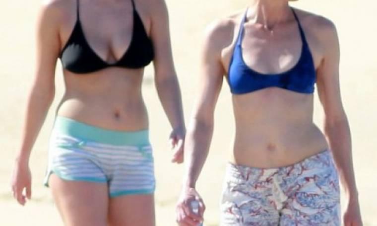 Θα μπορούσαν να είναι και... δίδυμες: Η σταρ και η κόρη της μοιάζουν σα δυο σταγόνες νερό