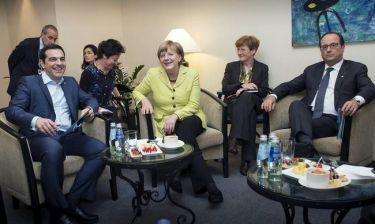 «Θρίλερ» με τη συνάντηση Τσίπρα – Μέρκελ – Ολάντ στις Βρυξέλλες