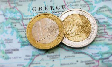 Reuters: Στο τραπέζι των συζητήσεων η ελάφρυνση του ελληνικού χρέους