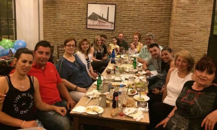 Ζέτα Μακρυπούλια: Αγκαλιά με τον Μιχάλη στα γενέθλια του αδερφού της