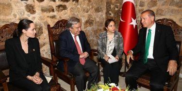 Ο Ερντογάν εντυπωσιάστηκε από την Jolie