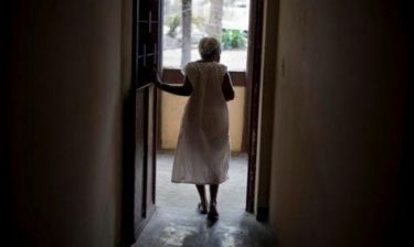 Χιλή: Δεν φαντάζεστε τι βρήκαν οι γιατροί στην κοιλιά 92χρονης!