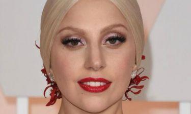 Επιτέλους! Η Lady Gaga με ένα υπέρκομψο σύνολο