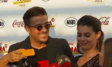 MAD VMA 2015: Ρώτησαν την Κορινθίου αν φορά εσώρουχο και «τα πήρε» ο Αϊβάζης!