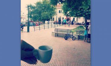 Τραγουδίστρια πήγε στον Εσπερινό και στη συνέχεια ήπιε το καφεδάκι της
