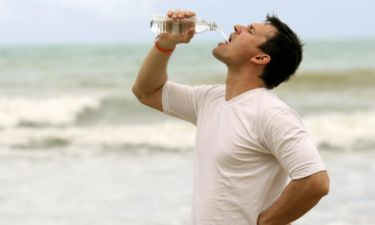 Το πολύ νερό σκοτώνει – Δείτε πόσο πρέπει να πίνετε
